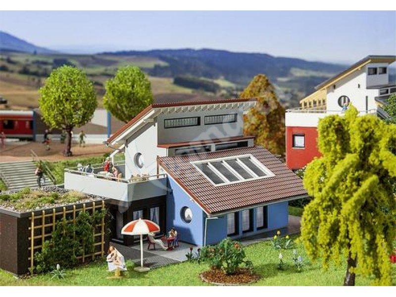 Modernes wohnhaus faller 130443 modernes wohnhaus faller for Modernes wohnhaus